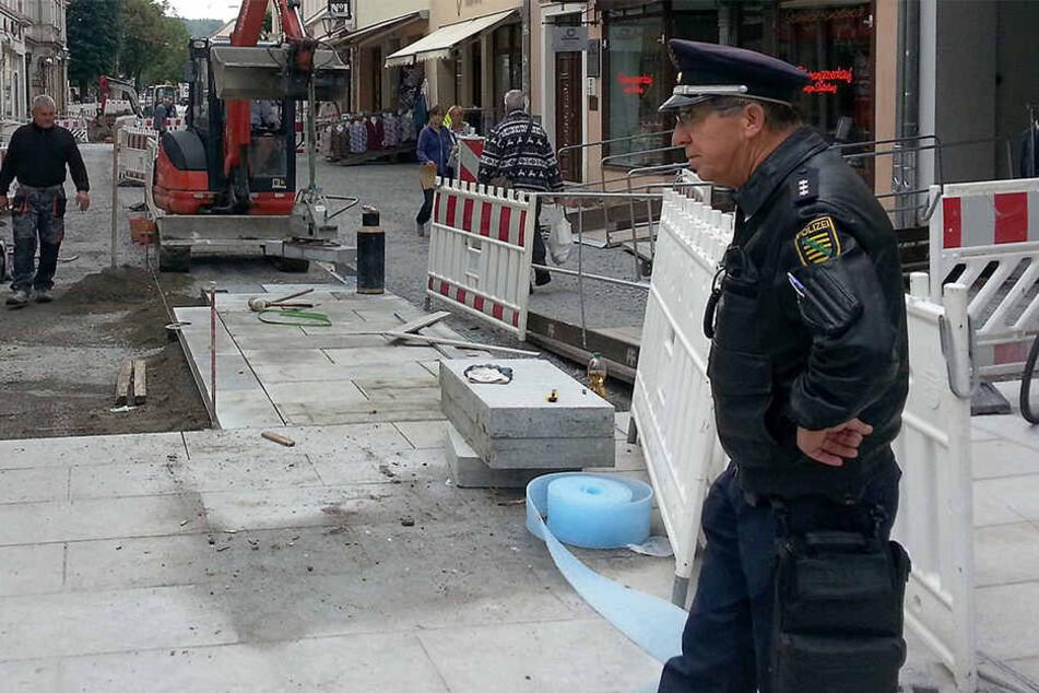 Bei Falschparkern kennt Polizeihauptkommissar Andreas Hutzel (59) keine Gnade.