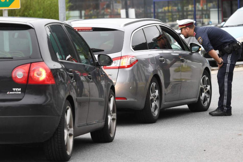Die Polizei hat auch am Sonntag die neuen Fahrverbote in Tirol durchgesetzt.