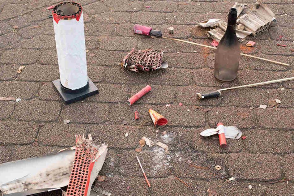 Tödliche Tragödie bei Feuerwerk: Rakete fliegt Mutter in den Mund und explodiert