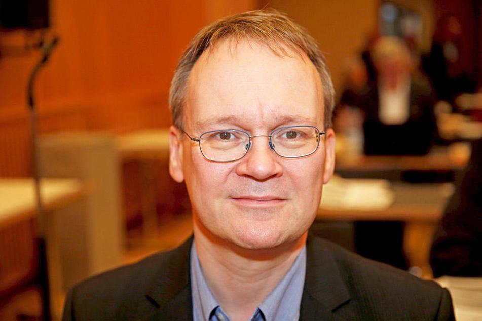 """Linken-Stadtrat Tilo Wirtz (50) hält den Rückbau von befestigten Radwegen für """"Unsinn""""."""