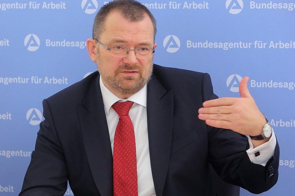 So wenige Arbeitslose wie noch nie seit 1991 kann Sachsens Arbeitsagentur-Chef Klaus-Peter Hansen (54) verkünden.