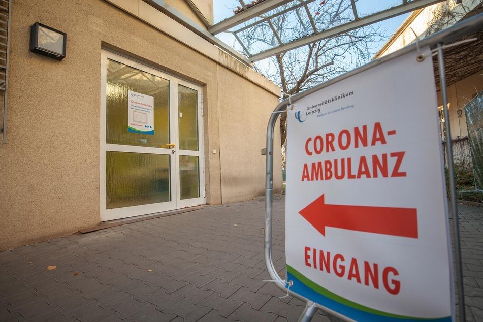 """An den kommenden Feiertagen herrscht in der UKL-Corona-Ambulanz im """"Haus am Park"""" kein Betrieb."""