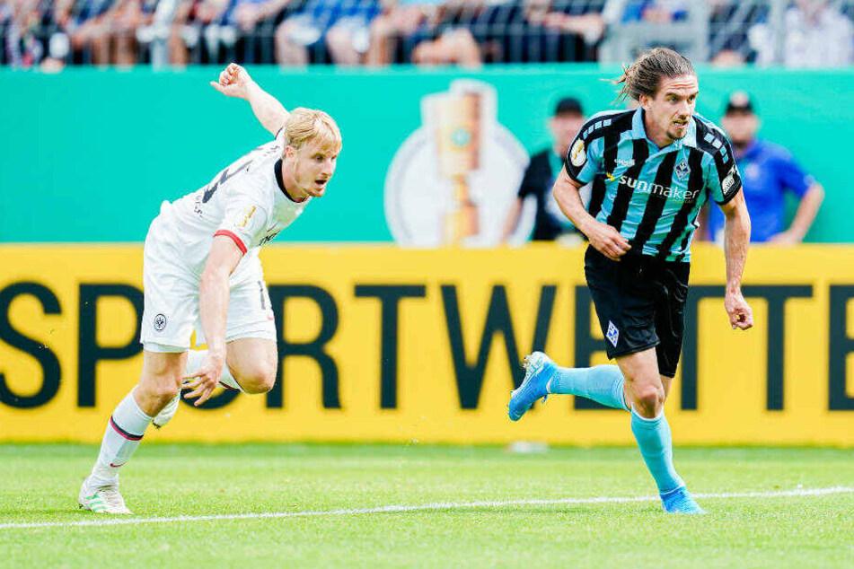 Sulejmani lässt Martin Hinteregger mal eben stehen und erzielt das 1:0.