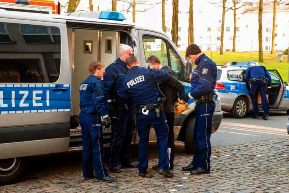 """Immer wieder wird die Polizei zu Einsätzen an die """"Tüte"""" gerufen."""