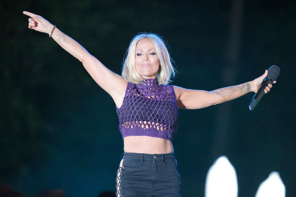 Schlagersängerin Michelle (49) auf einem ihrer letzten Konzerte, bevor Corona für Absagen sorgte.