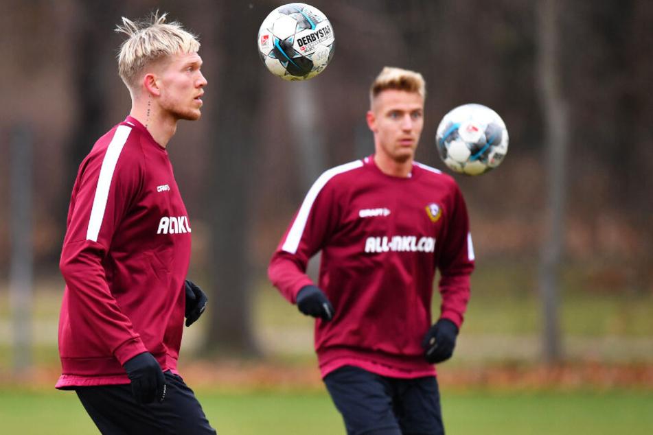 Augen auf den Ball gerichtet: Die letzten beiden Neuen, Ondrej Petrak (r.) und Simon Makienok, sind in Heidenheim dabei. Petrak könnte sogar von Beginn an spielen.