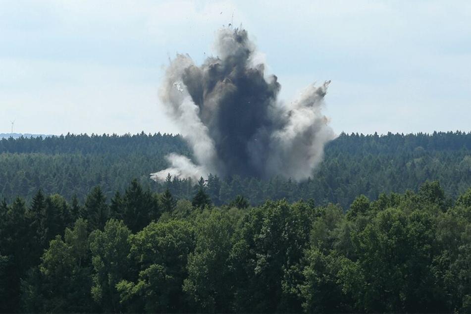 In der Dippoldiswalder Heide werden Fliegerbomben festgestellt und gesprengt.