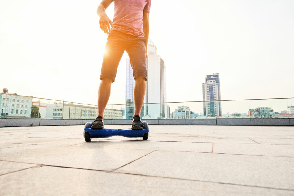 Auf so einem Hoverboard behandelte Seth Lookhart (34) seine Patientin. (Symbolbild)