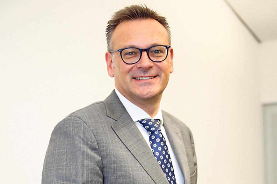 Zusammen mit Baubürgermeister Raoul Schmidt-Lamontain (39, Grüne) ist  Chef-Stadtplaner Stefan Szuggat (49) für die Schutzsatzung verantwortlich.