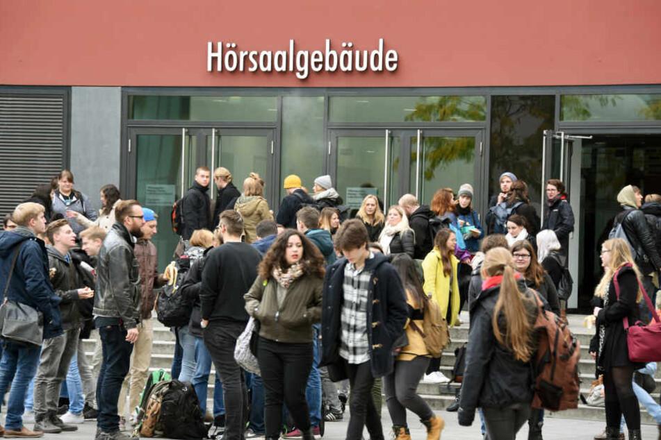 Nicht wenige Leipziger Jura-Studenten meiden die Vorlesungen von Professor Rauscher.