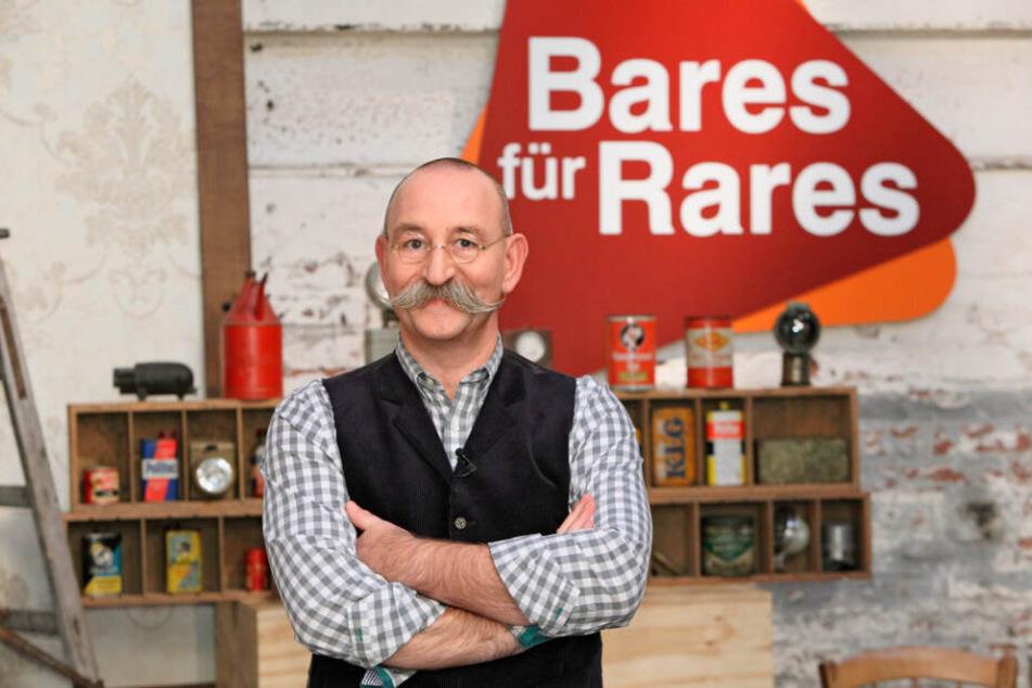 """Moderiert wird """"Bares für Rares"""" von Horst Lichter."""