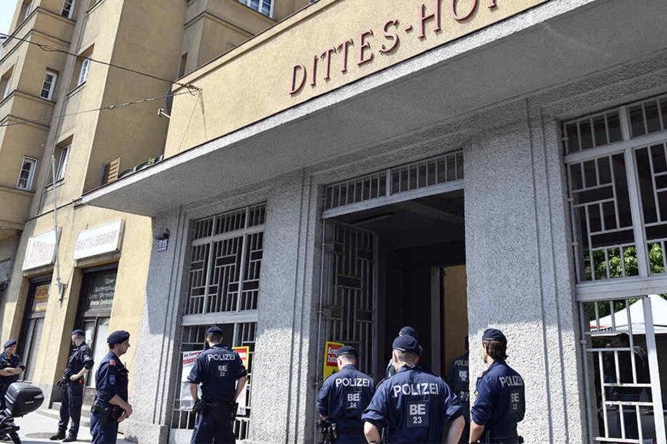 In dieser Wohnanlage in Wien kam es zu der Bluttat, wegen der sich ein 16-jähriger Teenager nun verantworten muss.