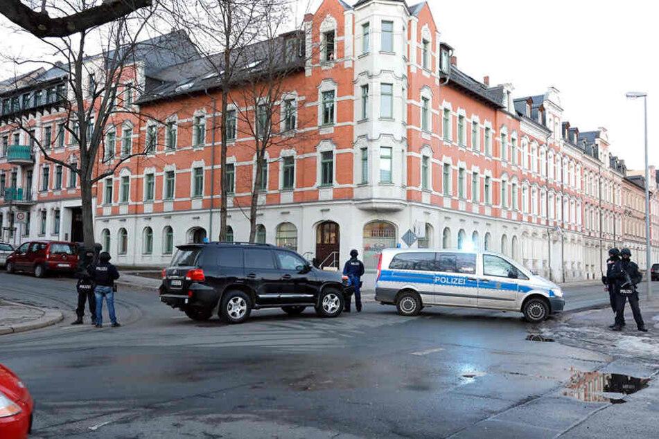 Das Eckhaus in der Augustusburger-/Münchner Straße war Schauplatz eines Anti-Terroreinsatzes.