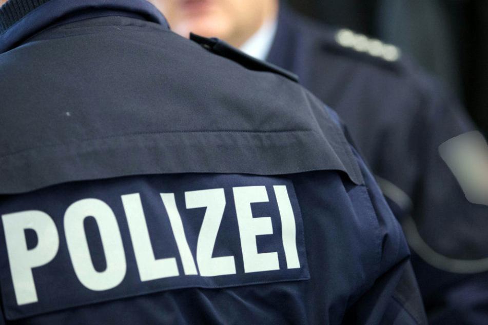 Die Polizisten beschlagnahmten die Musikanlage der Frau. (Symbolbild)