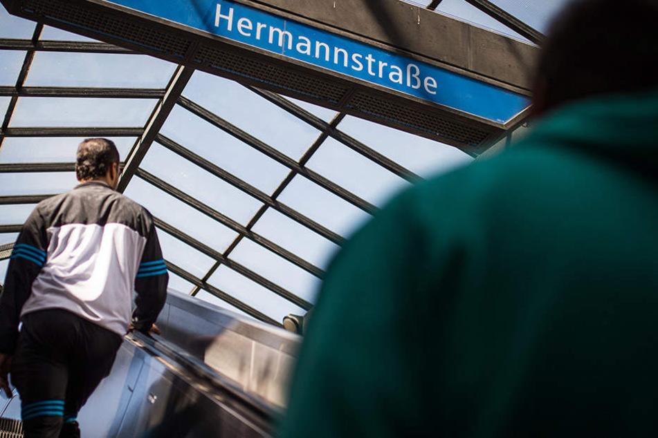 Am S-Bahnhof Hermannstraße wurde im Juli 2017 eine Frau vor einen einfahrenden Zug gestoßen. (Symbolbild)