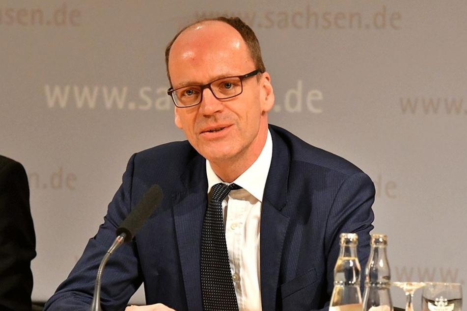 Kraft seines Amtes oberster Bauherr der neuen JVA: Finanzminister Matthias Haß (50, CDU).