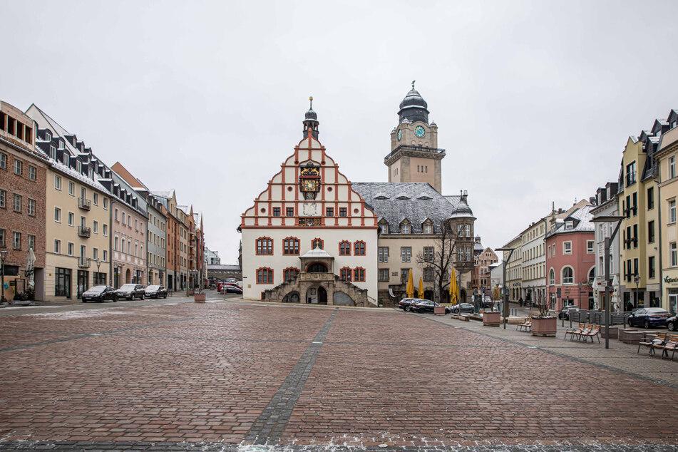 Acht Kandidaten bewerben sich derzeit um den Chefsessel im Plauener Rathaus.