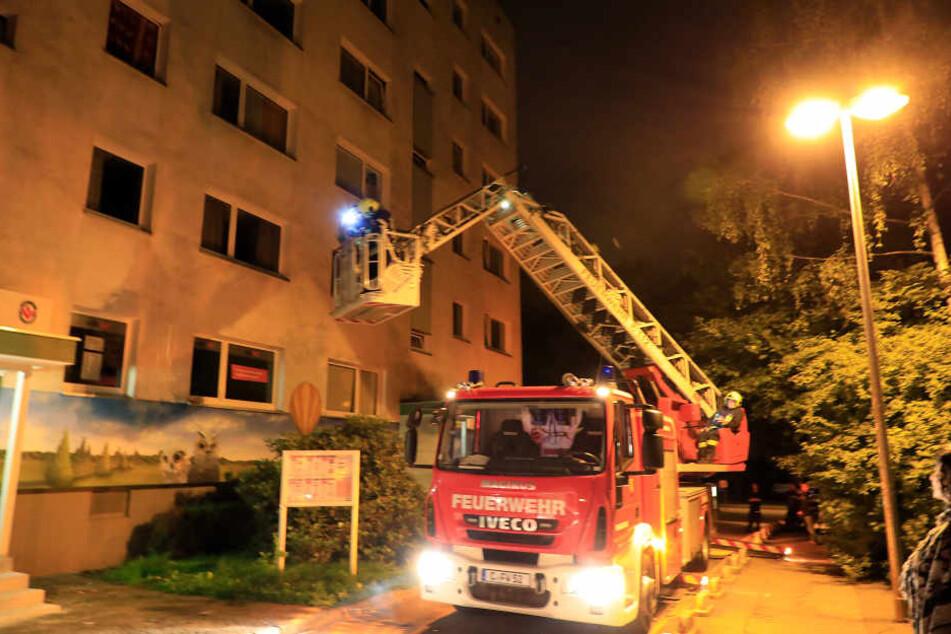 Der Brandmelder musste von der Feuerwehr aufwendig geborgen werden.