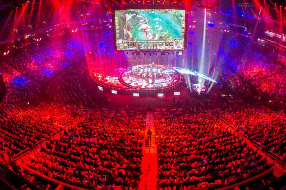 Der eSport hat nicht nur viele Spieler, sondern auch viele Fans weltweit.