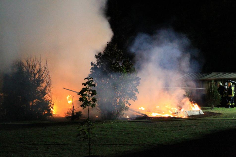 Der Campingplatz im Landkreis Nordhausen brennt.