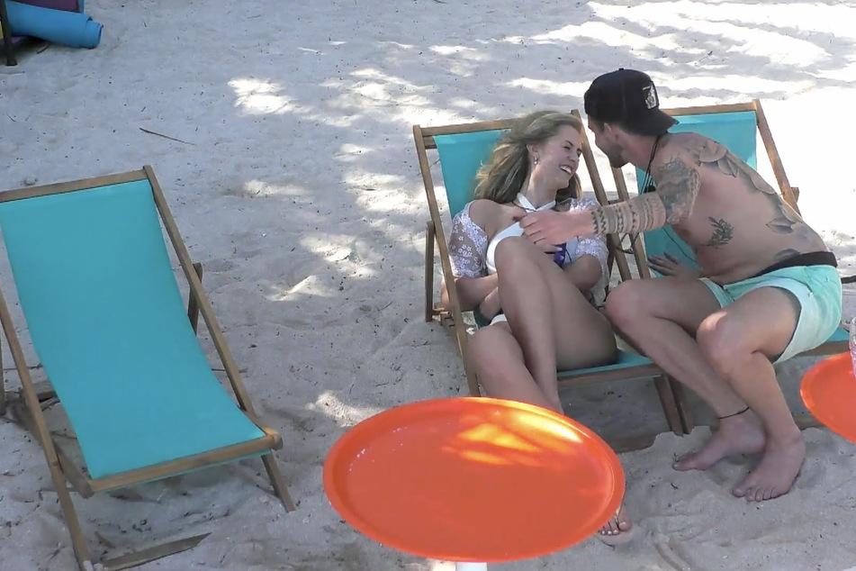 Was geht da zwischen Philip und Hanna (23)? Und ist Till damit einverstanden?