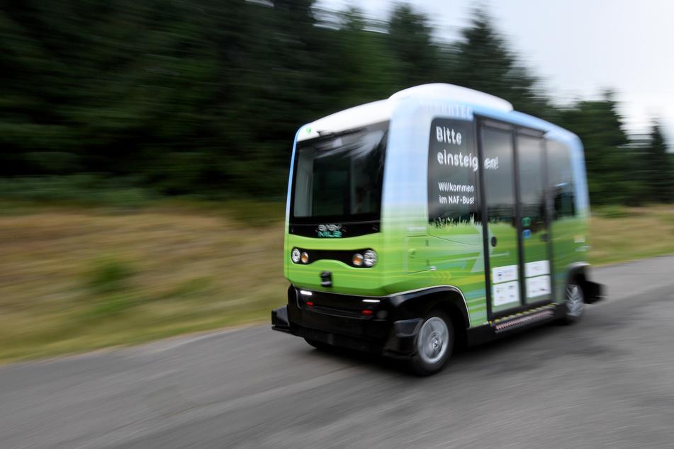 Autonom fahrende Busse an der Westküste gehen in die Verlängerung