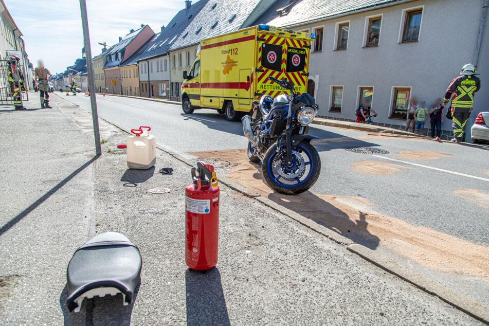 Die Straße musste wegen auslaufender Betriebsmittel gesperrt werden.
