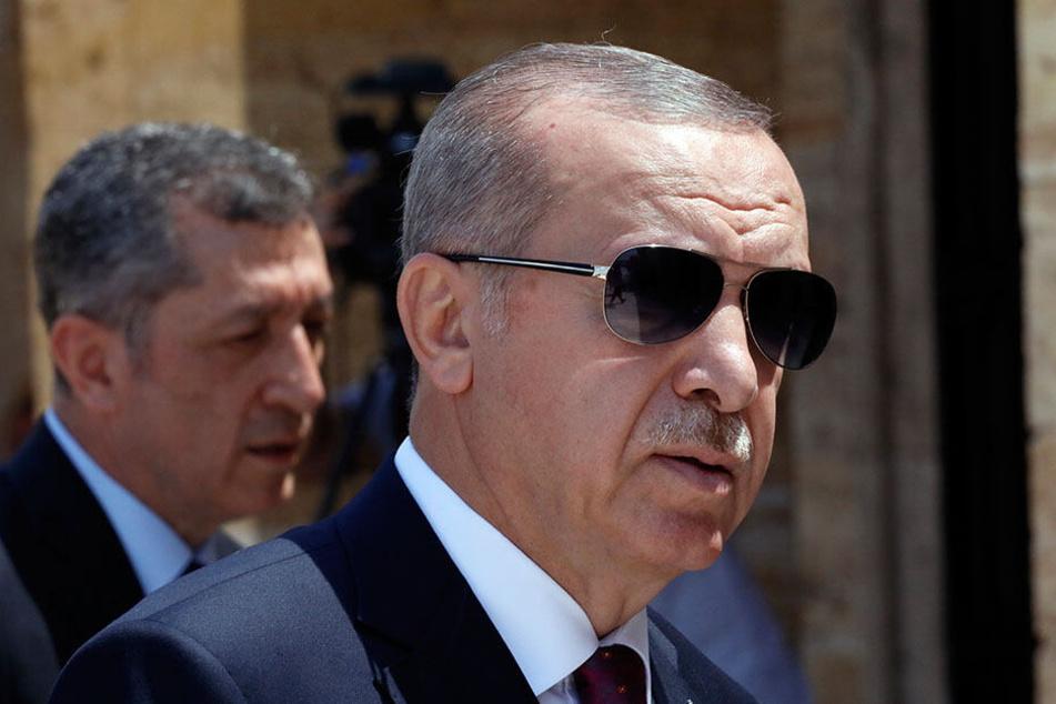 """Recep Tayyip Erdogan, Präsident der Türkei, hat syrische Flüchtlinge einst als """"Gäste"""" willkommen geheißen, doch die Stimmung gegen Menschen aus dem Kriegsgebiet hat sich gedreht."""