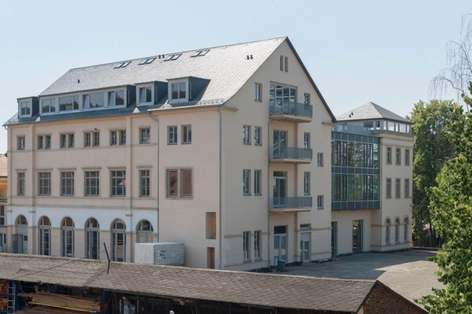 """Hotel-Investor Thomas Diller baut bereits seit über zehn Jahren neben dem Blauen Wunder am einstigen """"Hotel Demnitz""""."""