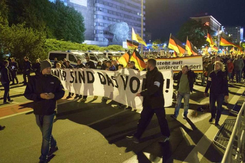 Seit den tragischen Ereignissen vom 27. August demonstriert Pro Chemnitz jeden Freitag am Nischel.