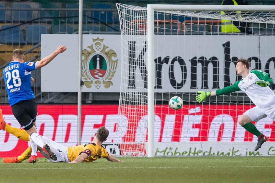 In der 28. Minute erzielte Florian Hartherz (24) einen Treffer über seine linke Seite.