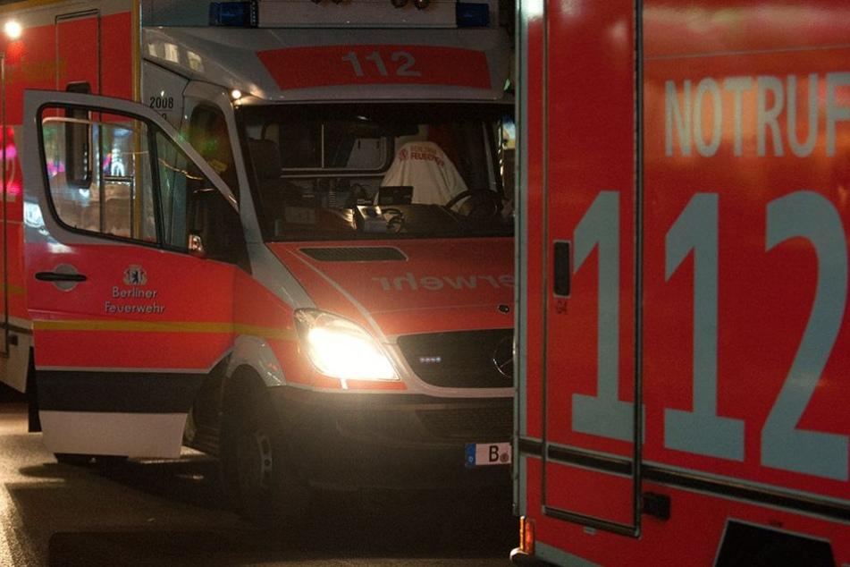 Der Mann wurde mit dem Rettungswagen ins Krankenhaus gefahren.