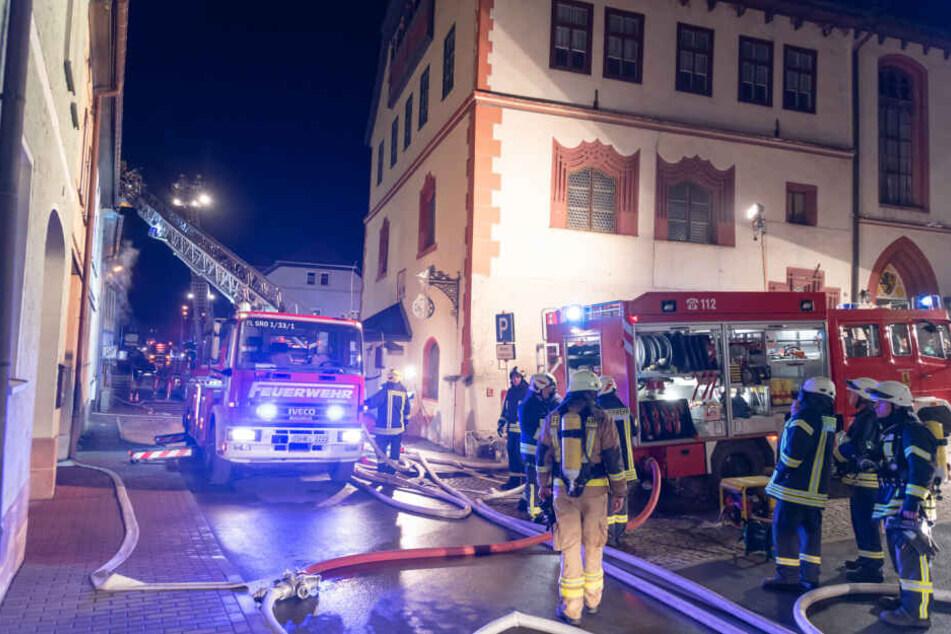 Mehrere Feuerwehren mussten anrücken, um den Brand unter Kontrolle zu bringen.