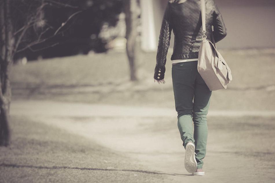 Hinter einer ehemaligen Schule in Dessau wurde die Frau (56) Opfer einer Vergewaltigung durch vier Eritreer.