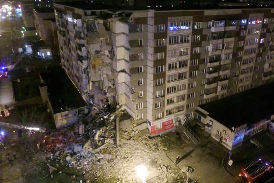 Als Auslöser des Unglücks in der Stadt Ischewsk vermuteten die Behörden eine Gasexplosion.