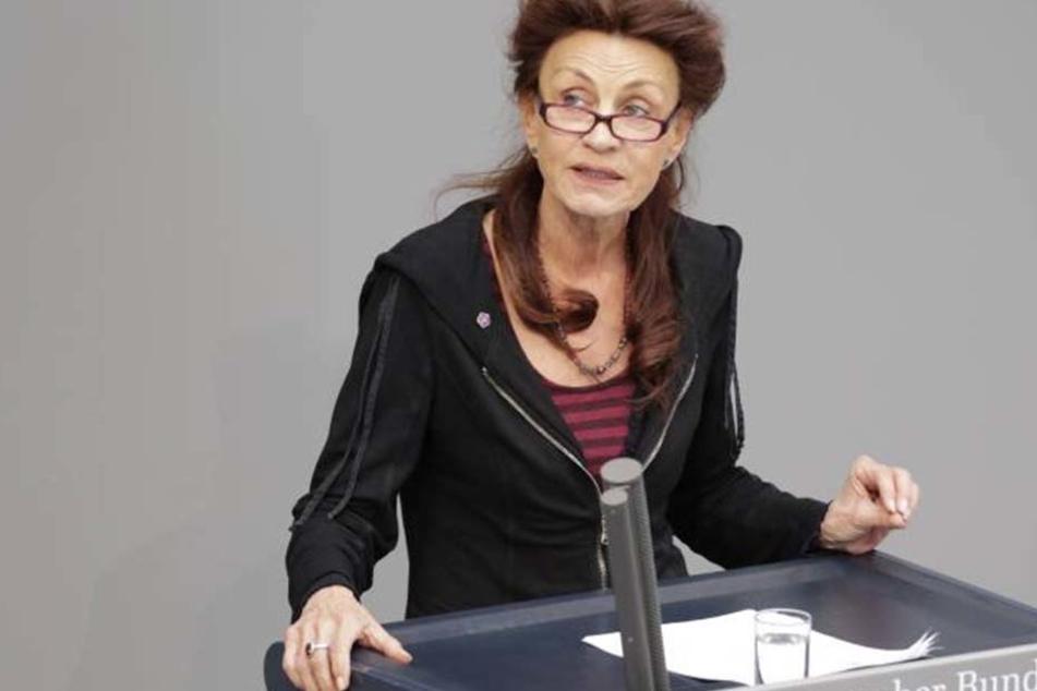 Ulla Jelpke (65, Die Linke), hakte bei der Bundesregierung nach.