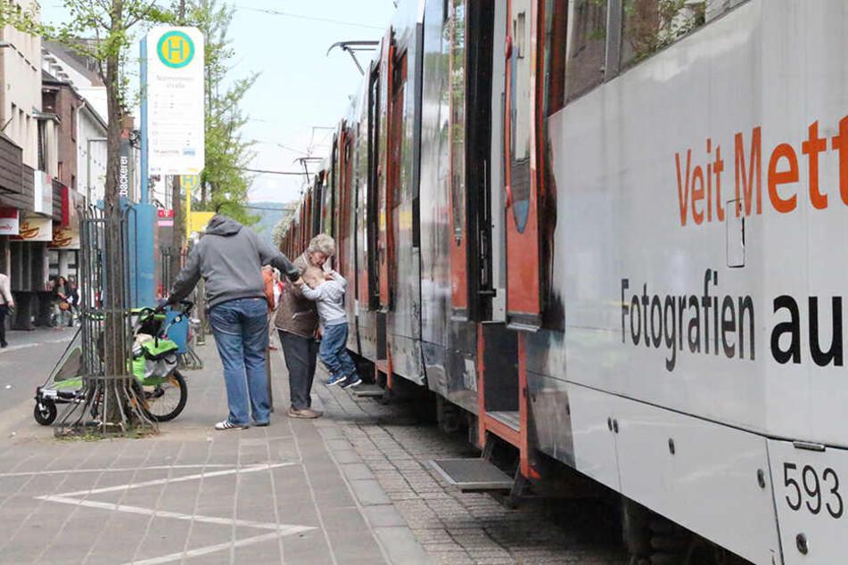 3,2 Millionen Euro muss die Stadt Bielefeld nun für den Straßenbahnausbau nachzahlen.