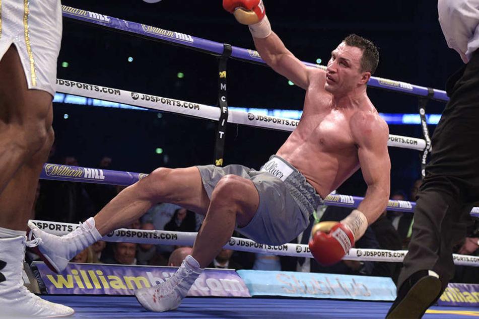Am 29. April 2017 verlor Klitschko im Londoner Wembley-Stadion gegen Titelverteidiger Joshua nach technischem K.o. in der elften Runde.
