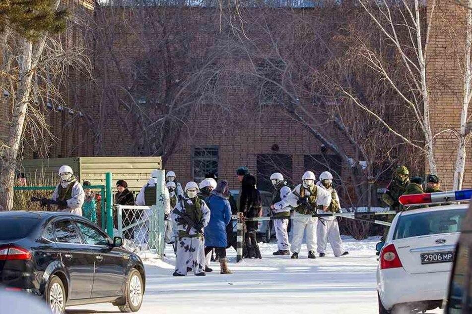 Beim dritten Angriff in einer russischen Schule innerhalb einer Woche wurden fünf Schüler und eine Lehrerin verletzt.