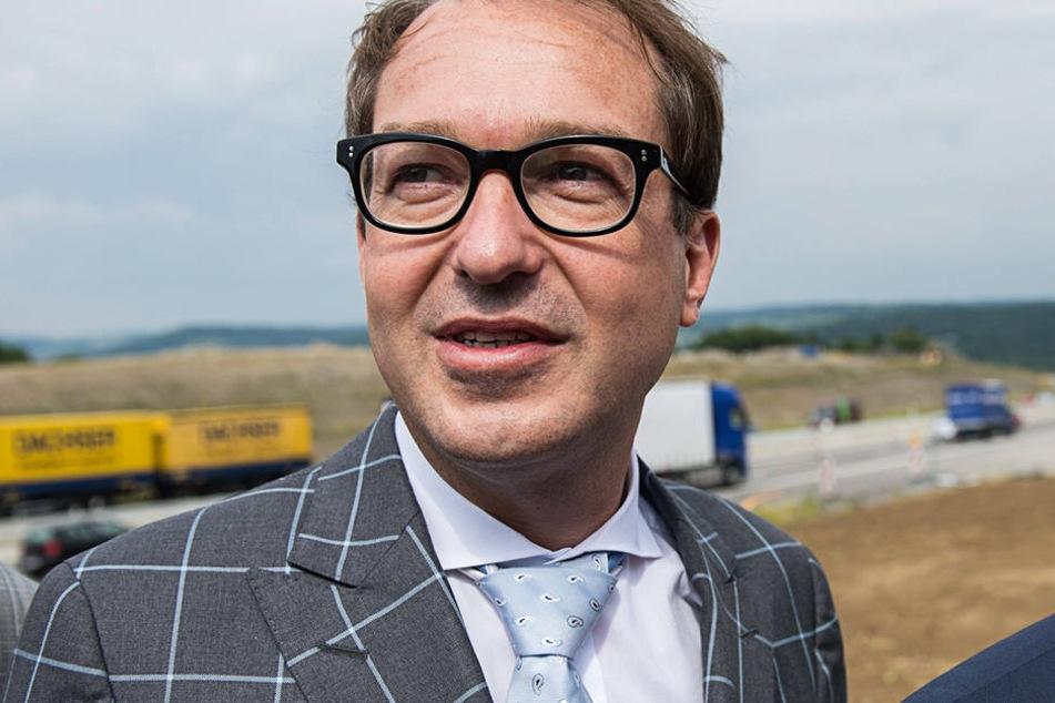 Attacke aus Dresden: Bundesverkehrsminister Alexander Dobrindt (46, CSU)  schiebe Sachsen aufs Abstellgleis.