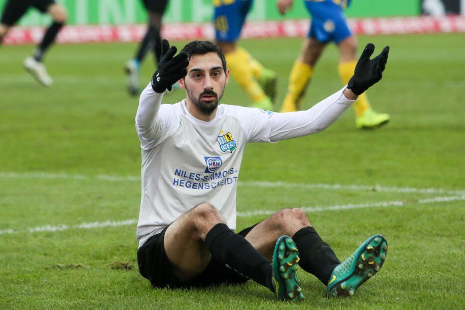 Niedergeschlagen: CFC-Kicker Rafael Garcia ärgert sich.