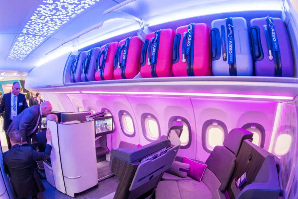 Airbus stellt größere Gepäckfächer vor, die 65 Prozent mehr Koffer fassen können.