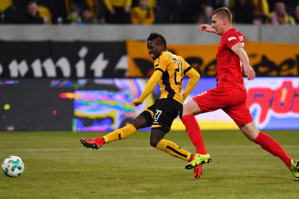 Moussa Koné schoss am Freitag seine Dynamo-Tore drei, vier und fünf.