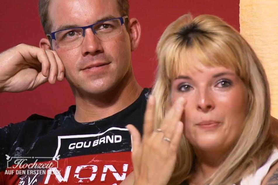 Sandra und Sebastian sind getrennt.