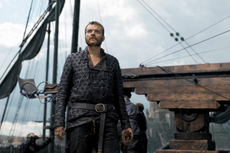 Euron Graufreud (Pilou Asbaek) kann der Wut Drogons mit seiner Flotte nichts entgegensetzen.