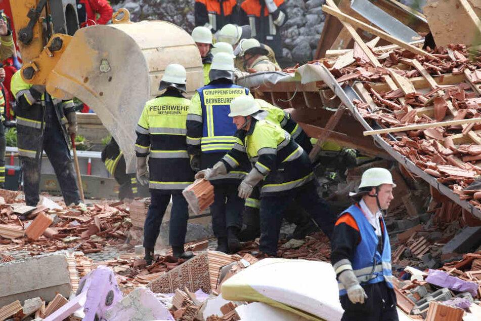 Die Rettungskräfte versuchten alles, für zwei Menschen kam aber jede Hilfe zu spät.