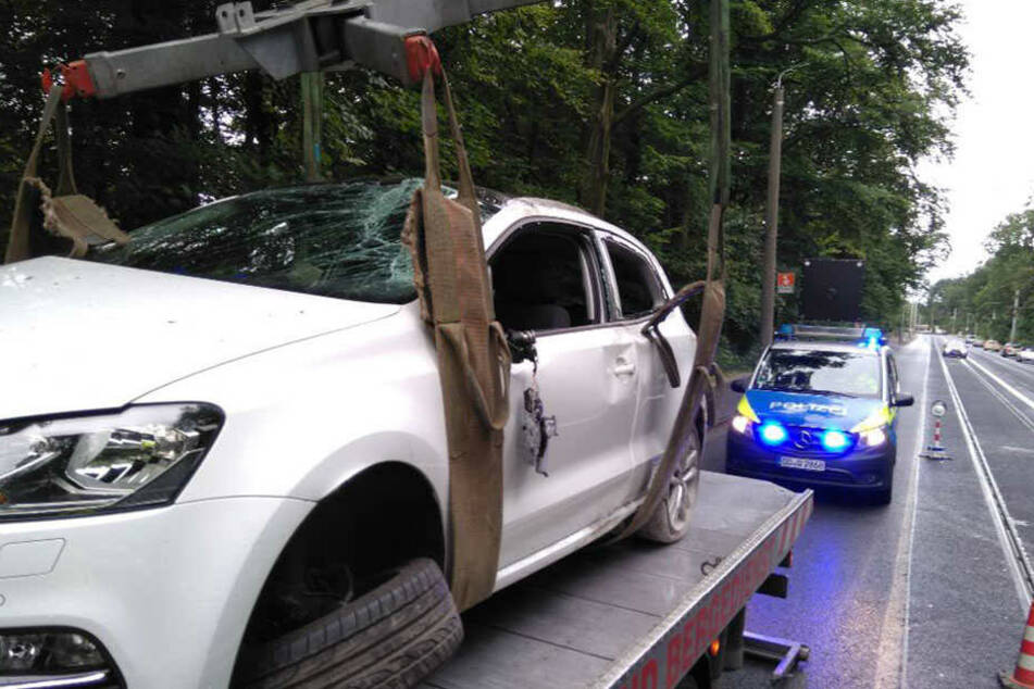 Der VW Polo musste abgeschleppt werden.