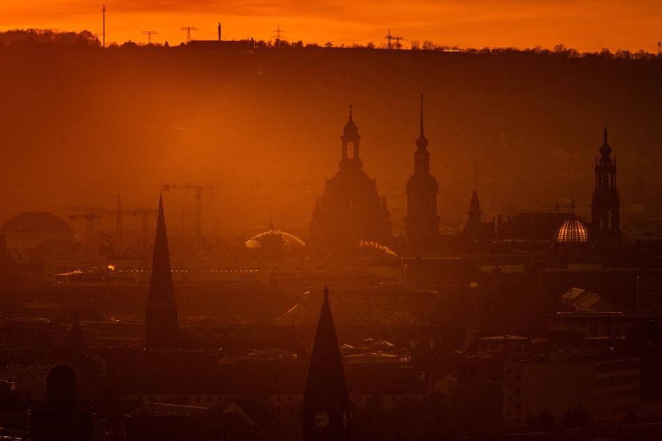 Die Corona-Inzidenz in Sachsen und in Dresden stieg innerhalb der vergangenen 24 Stunden leicht an.