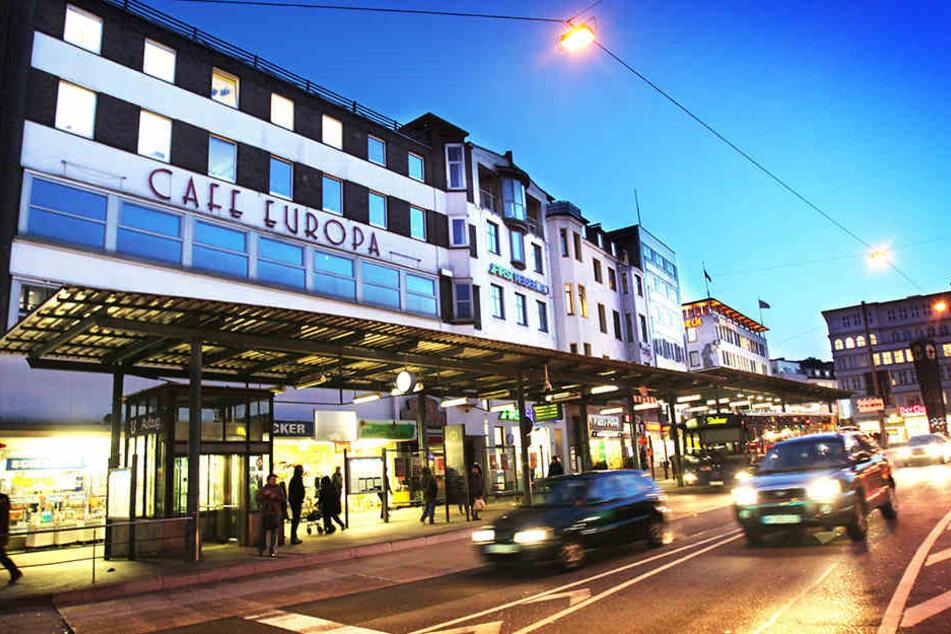 Das Gebäude des Cafe Europas soll versteigert werden.