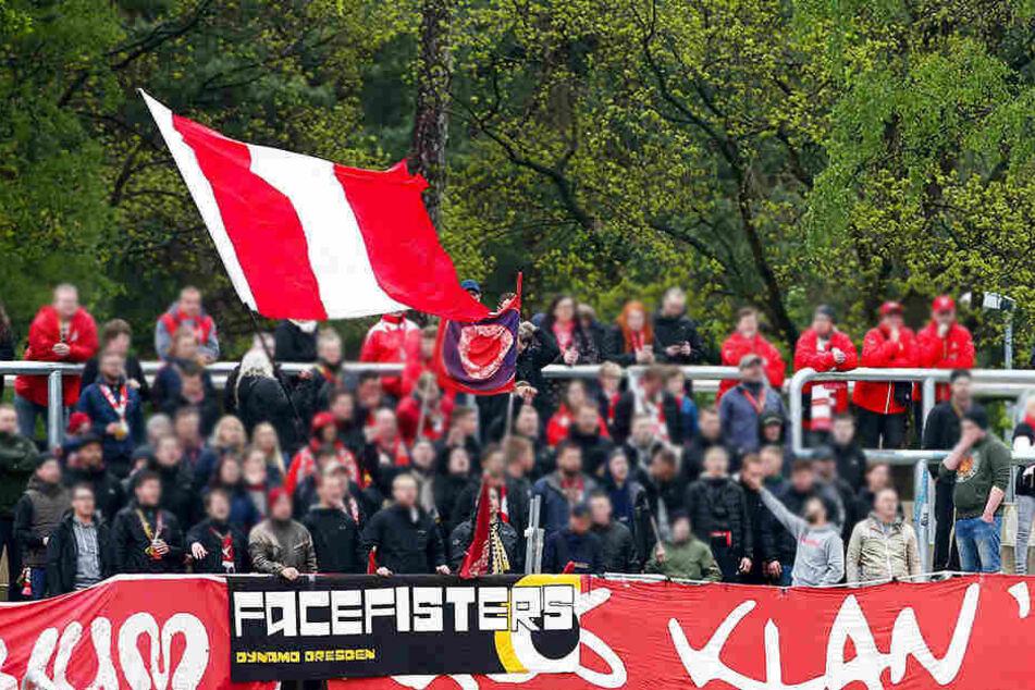 Anhänger des FSV Zwickau griffen am Bahnhof von Marktredwitz Fans des 1. FC Nürnberg an. (Symbolbild)